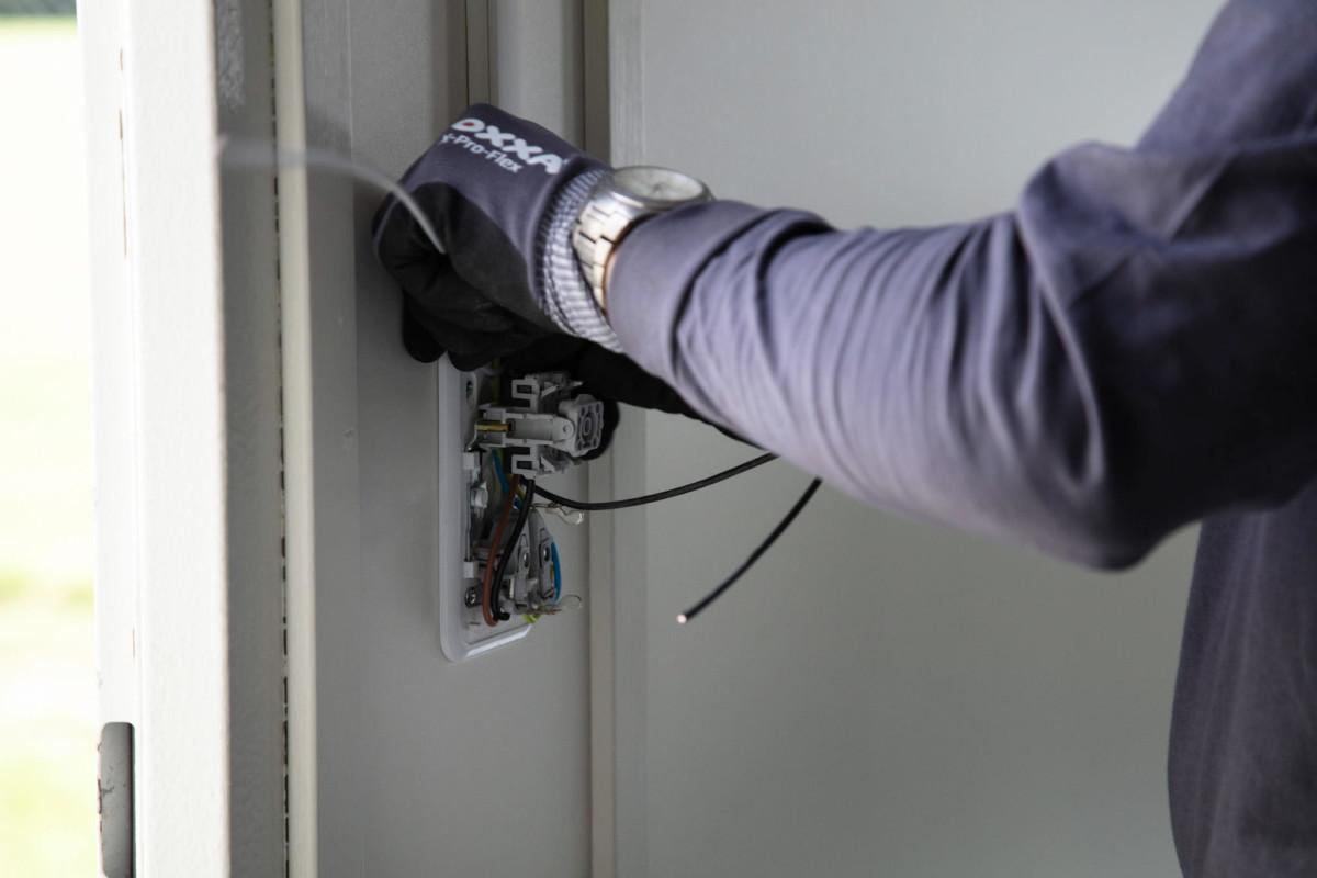 Elektrotechniek Rotterdam afmonteren